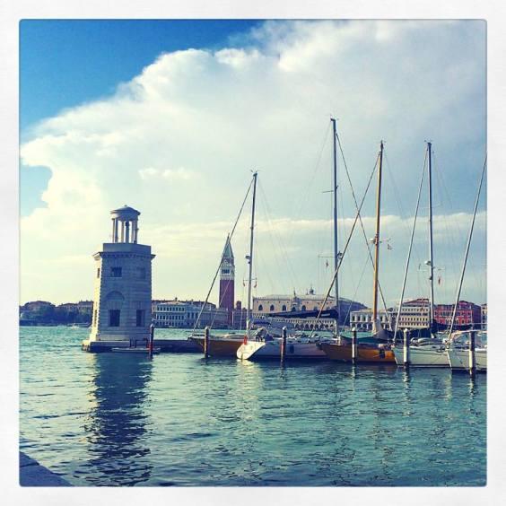 Barche a San Giorgio e vista di San Marco