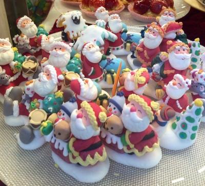 Dolcissimi Babbo Natale alla Pasticceria Marchini in Campo San Luca | Venezia